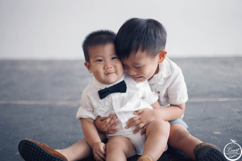 小孩攝影姿勢